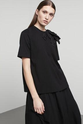 Machka Kadın Siyah Saten Aplike Fiyonk Detaylı T-shirt