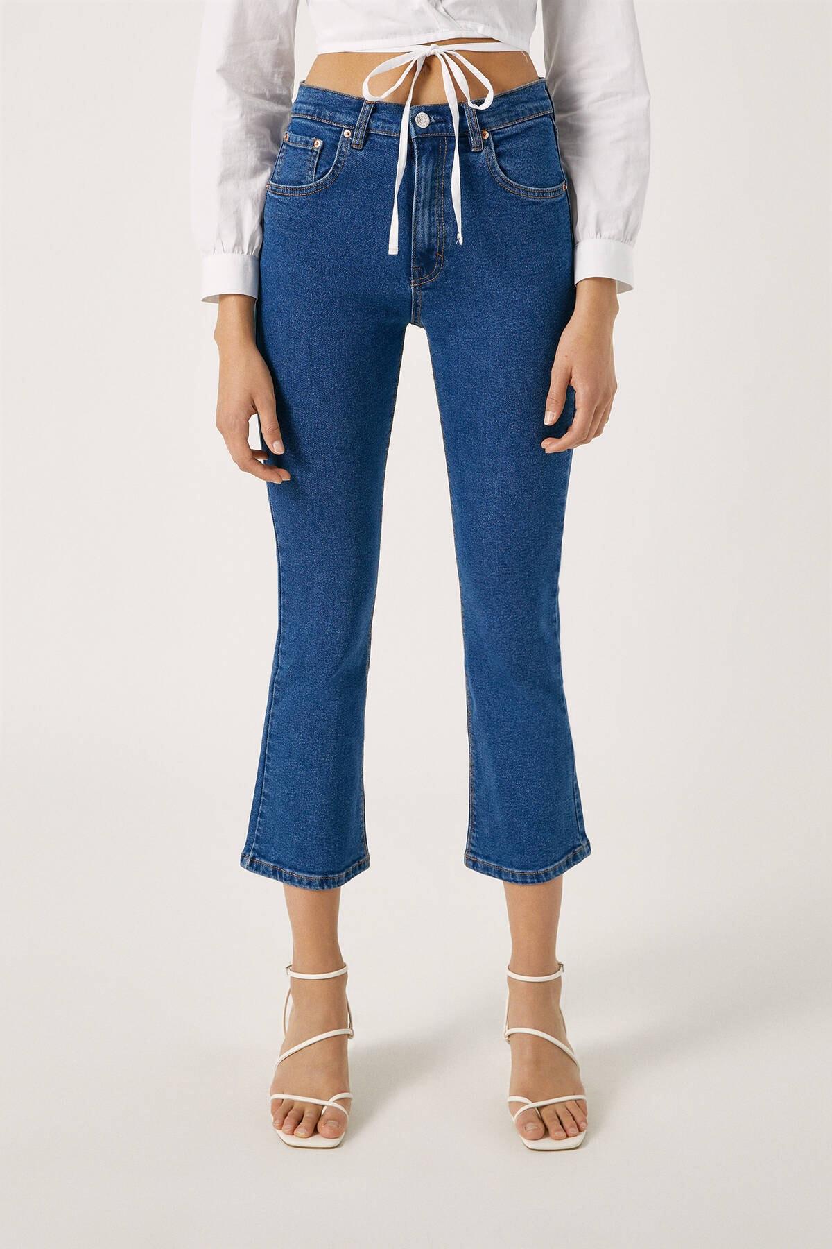 Pull & Bear Kadın Mavi Basic İspanyol Paça Jean 09683310 2