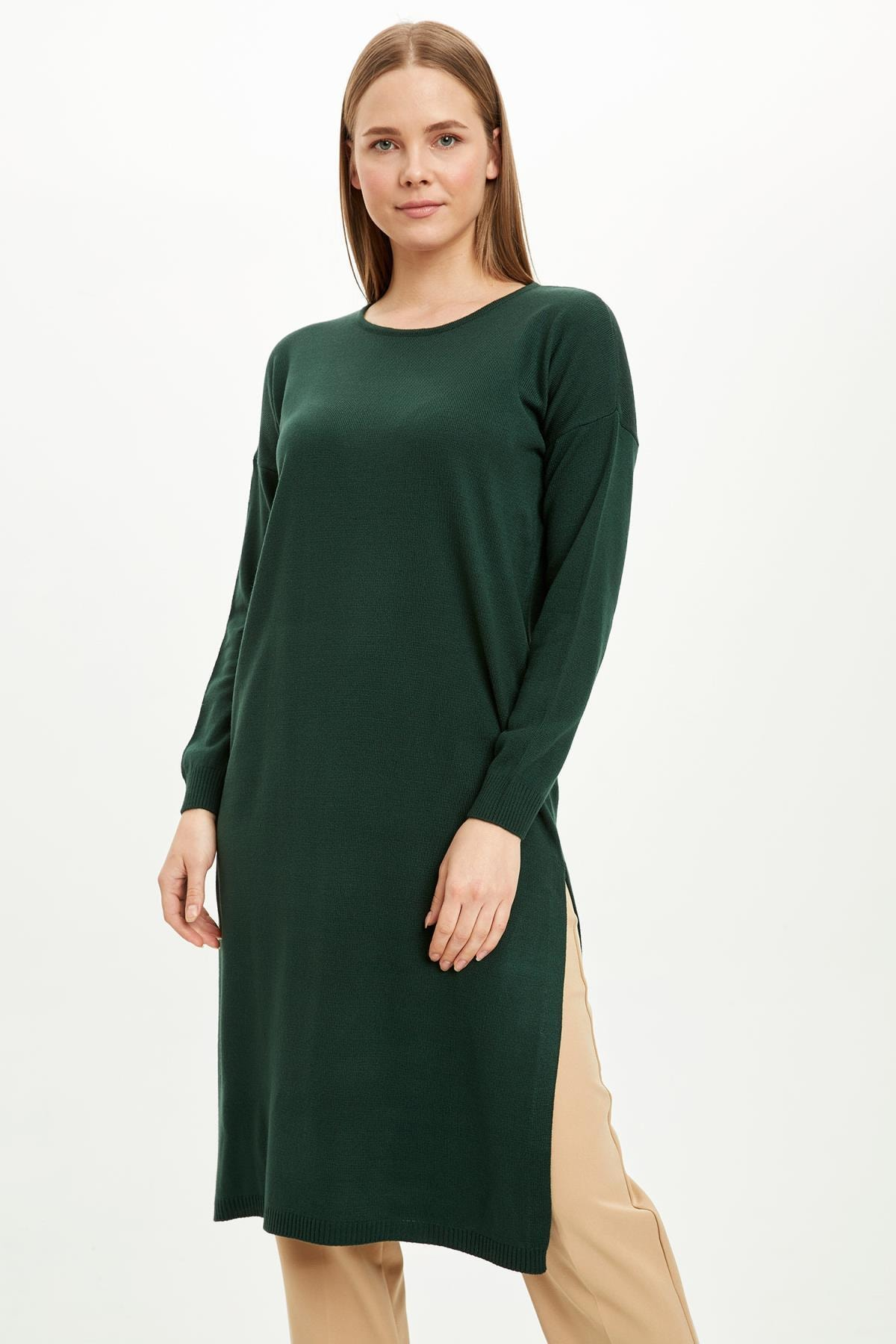 DeFacto Kadın Yeşil Düşük Kol Detaylı Yırtmaçlı Triko Tunik J5571AZ20WN