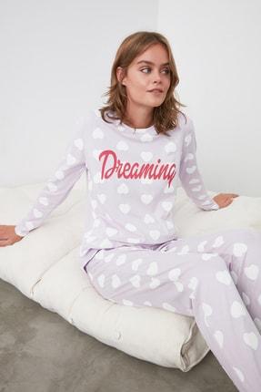 TRENDYOLMİLLA Lila Sloganlı Örme Pijama Takımı THMAW21PT0296