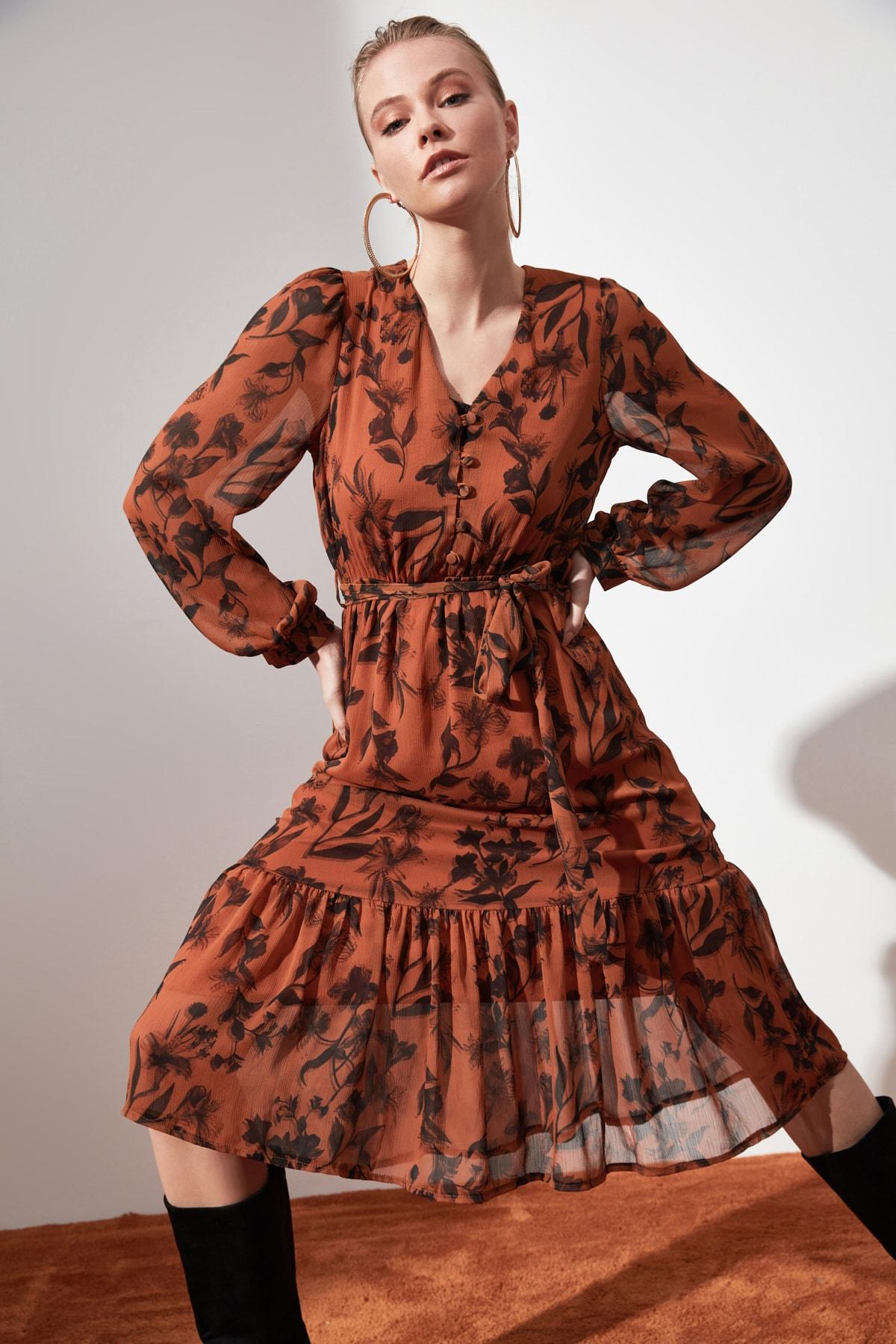 TRENDYOLMİLLA Camel Kuşaklı Desenli Elbise TWOAW21EL0384 2