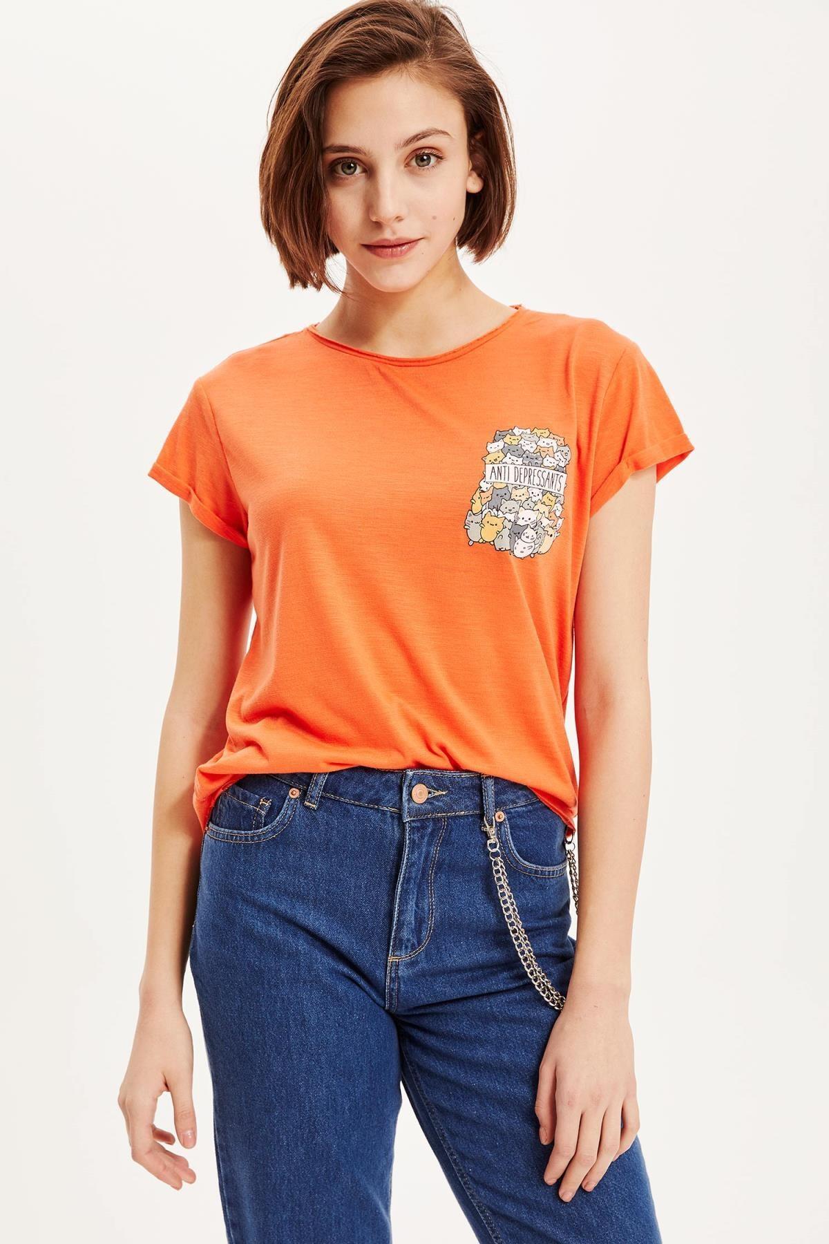 DeFacto Kadın Turuncu Tek Cep Detaylı T-shirt K7920AZ.19SM.OG168