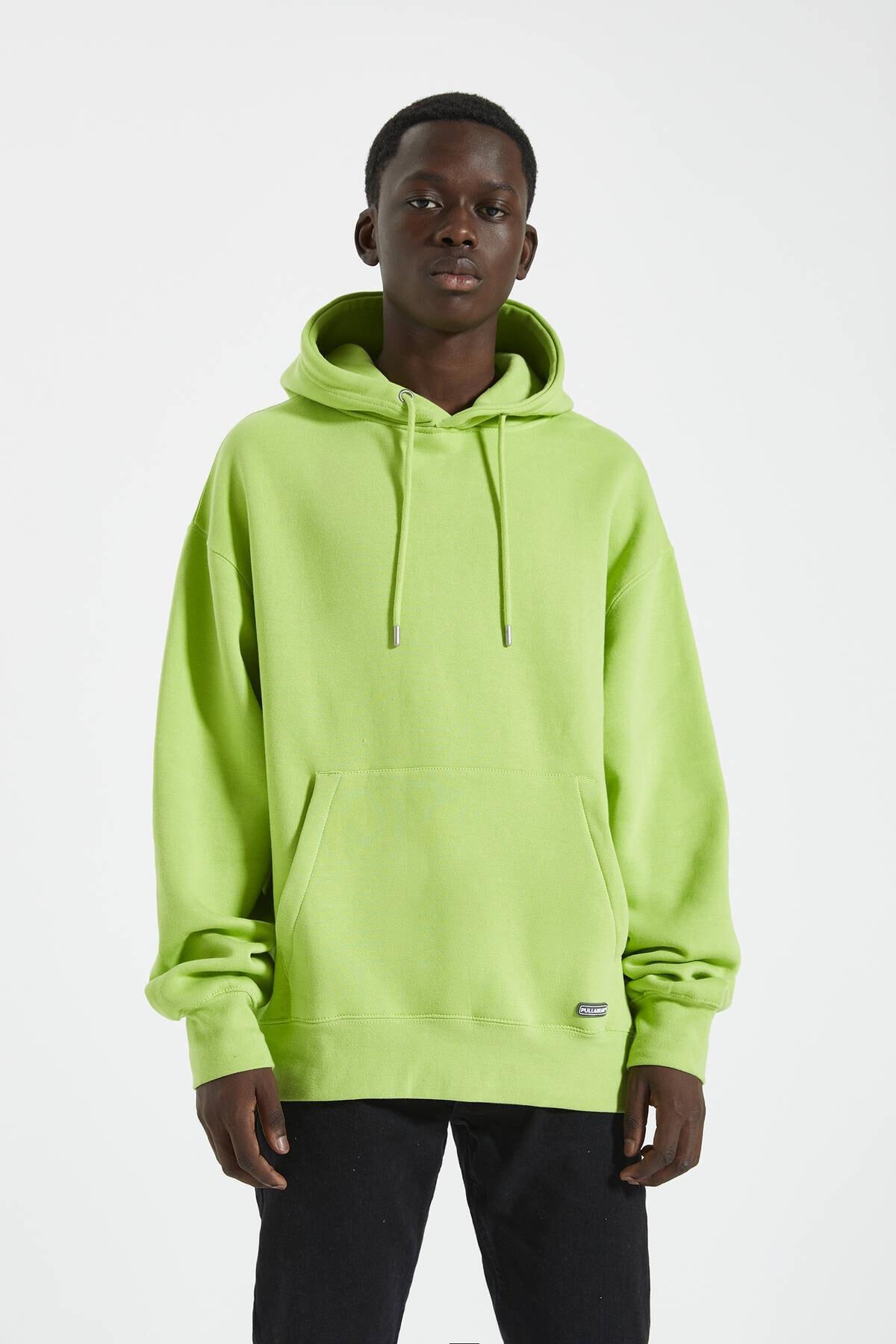 Pull & Bear Erkek Floresan Sarısı Logolu Basic Kapüşonlu Sweatshirt 09594913
