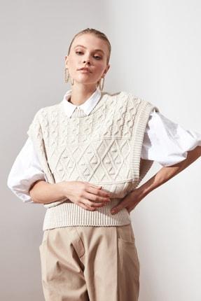 TRENDYOLMİLLA Taş Örgü Detaylı Triko Bluz TWOAW21BZ0447