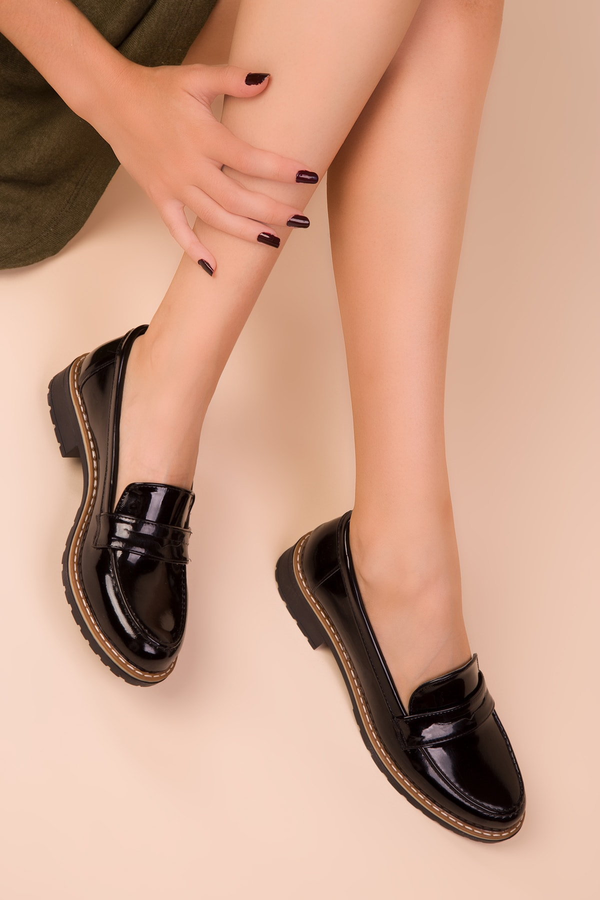 SOHO Siyah Rugan Kadın Casual Ayakkabı 15471 1