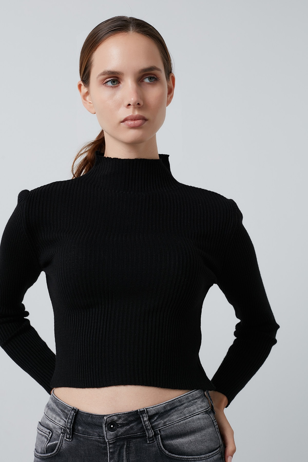 Lela Siyah Dik Yaka Crop Kazak Kadın Kazak 4615011