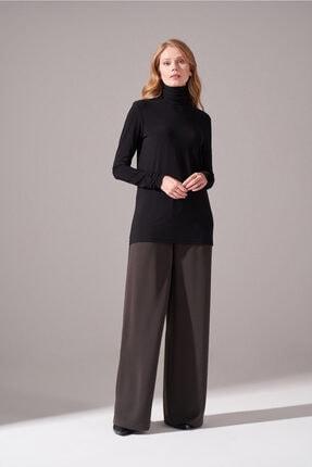 Mizalle Kadın Siyah Yaka Kol Büzgülü Sandy Bluz