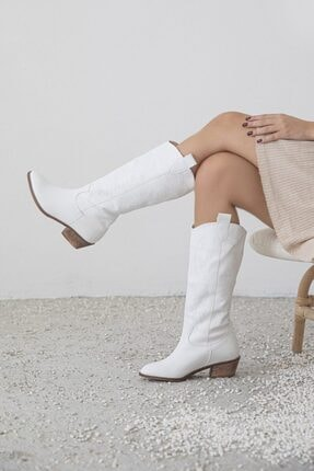 STRASWANS Kadın Beyaz Nakışlı Çizme