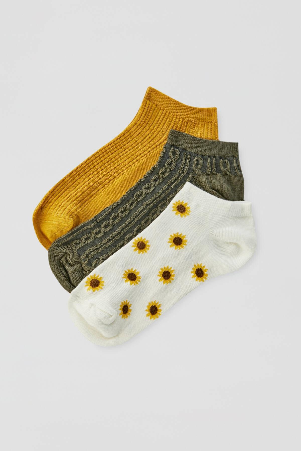 Pull & Bear Kadın  Renkli Ayçiçeği Desenli Bilekte Çorap Paketi 09895340