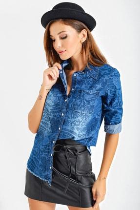 By Saygı Kadın Mavi Çiçekli Çıtçıtlı Kot Gömlek S-20Y2060091