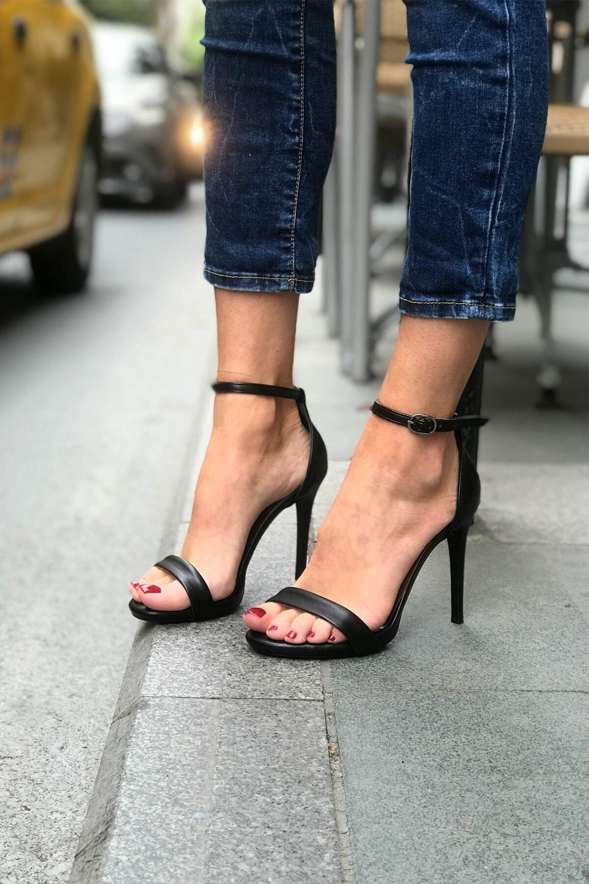 trendytopuk Kadın Siyah Yüksek Topuklu Tek Bant Ayakkabı 1