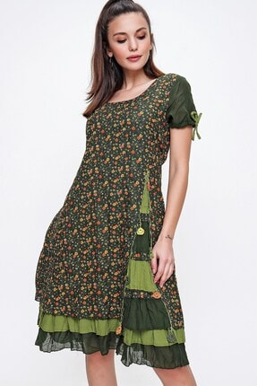 By Saygı Kadın Haki Kolları Büzgülü Kat Kat Etekli Çiçekli Otantik Elbise