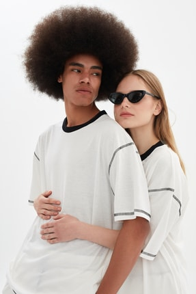 TRENDYOL MAN Beyaz Unisex Oversize T-Shirt TMNSS21TS3382