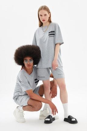 TRENDYOL MAN Gri Unisex Oversize T-Shirt TMNSS21TS3340