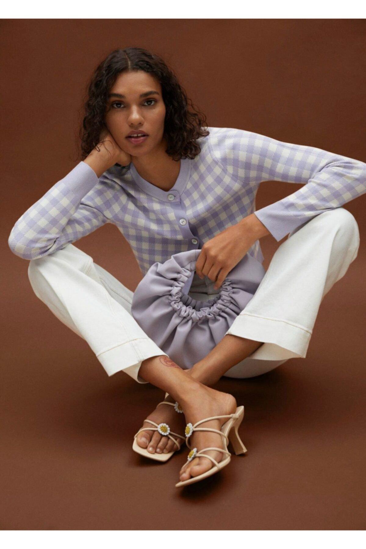 MANGO Woman Kadın Bej Topukları Çiçekli Deri Sandalet 2