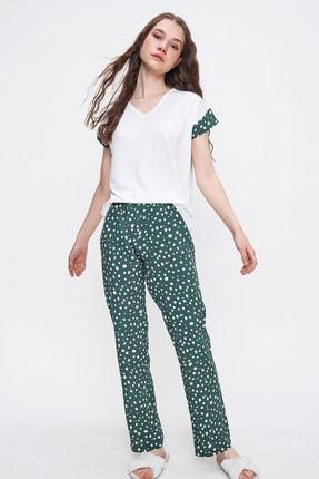 Trend Alaçatı Stili Kadın Açık Yeşil V Yaka Puantiyeli Pijama Takımı ALC-X6398