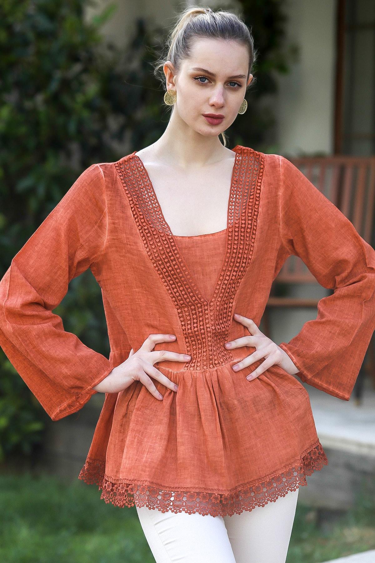 Chiccy Kadın Kiremit V Yaka Dantel Detaylı Beli Büzgülü Yıkamalı Dokuma Bluz M10010200BL95371