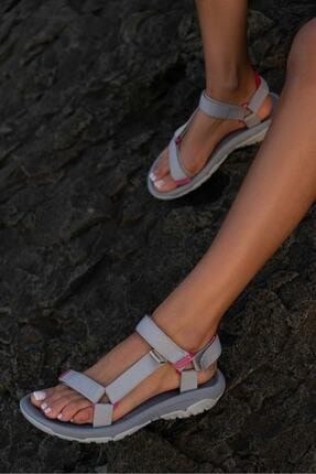 Beyond Kadın Gri Step Cırtlı Trekking Sandalet