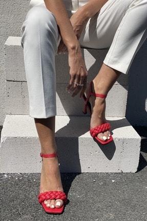 İnan Ayakkabı Kadın Kırmızı Bilekten Tokalı Örgülü Topuklu Ayakkabı
