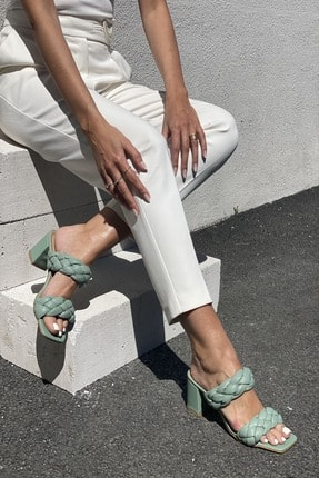İnan Ayakkabı Kadın Yeşil Önlü Arkalı Örgü Detaylı Terlik