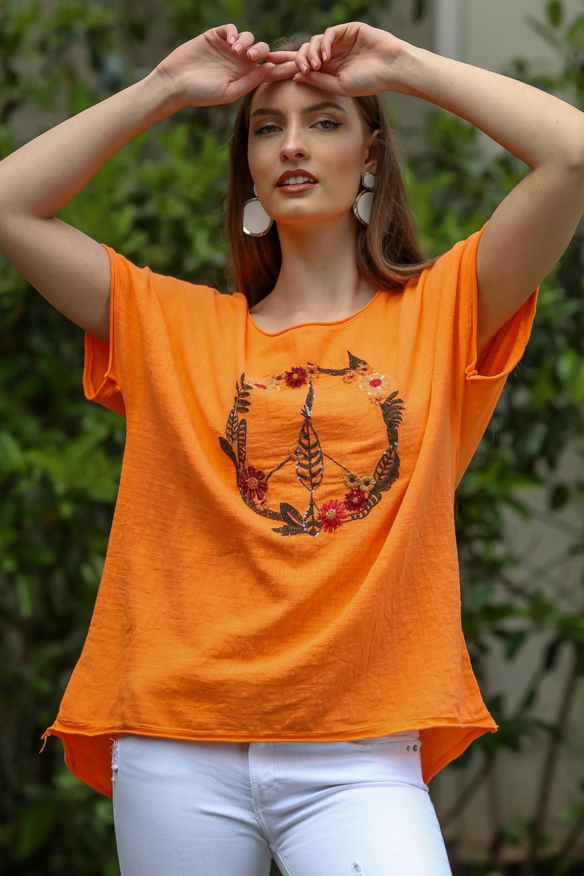 Chiccy Kadın Turuncu Peace Nakışlı Kayık Yaka Keten Oversize Bluz M10010200BL95270