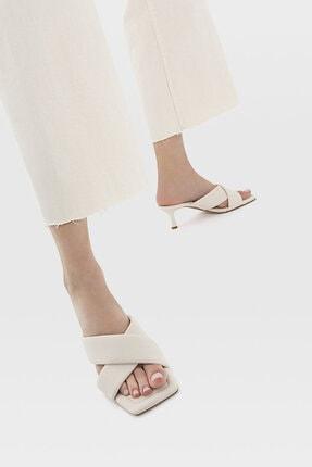 Stradivarius Kadın Ekru Dolgulu Topuklu Sandalet 19200770