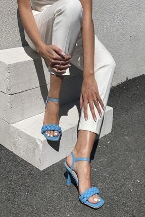 İnan Ayakkabı Kadın Mavi Bilekten Tokalı Örgülü Topuklu Ayakkabı