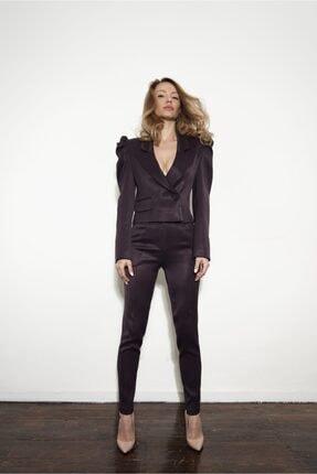 Tuğba Atasoy Couture & EON Kadın Mürdüm Kruvaze Kaplamalı Mini Ceket ve Yüksek Bel Kemerli Saten Takım Elbise