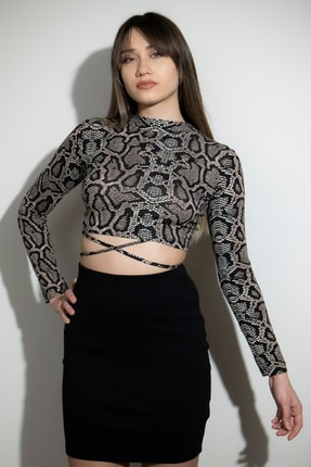 Soyo Kadın Sırt Dekolteli Bağcıklı Yılan Desenli Crop Bluz