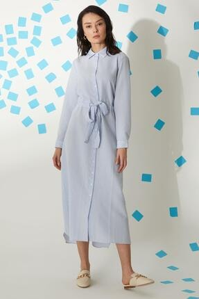 DeFacto Oval Kesimli Kuşak Detaylı Gömlek Yaka Maxi Elbise