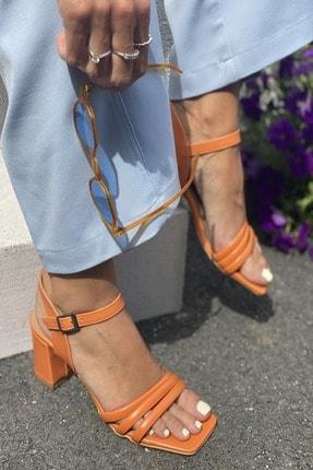 İnan Ayakkabı Üç Bant ve Bilekten Kemer Detaylı Topuklu Ayakkabı