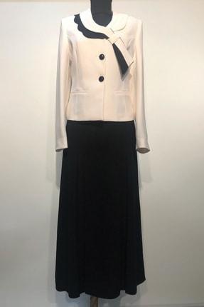 BERRİNMİLLA Kadın Beyaz Ceket Siyah Etek Takım Elbise