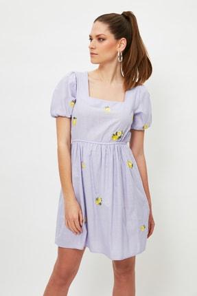 TRENDYOLMİLLA Lila Nakışlı Elbise TWOSS21EL4023