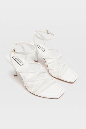Stradivarius Kadın Beyaz Bantlı Topuklu Sandalet