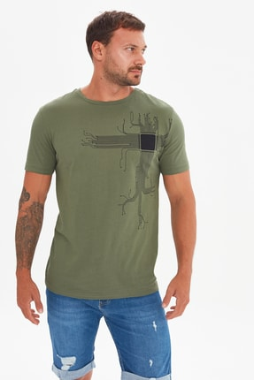 TRENDYOL MAN Haki Erkek Kısa Kollu Slim Fit Baskılı T-Shirt TMNSS21TS1032
