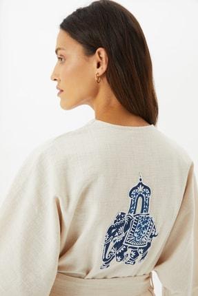 TRENDYOLMİLLA Taş Nakışlı Kimono&Kaftan TWOSS21KM0120