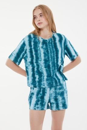 TRENDYOLMİLLA Yeşil Batik Desenli Örme Pijama Takımı THMSS21PT1385