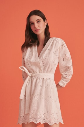Nocturne Beyaz Kruvaze Brode Mini Elbise