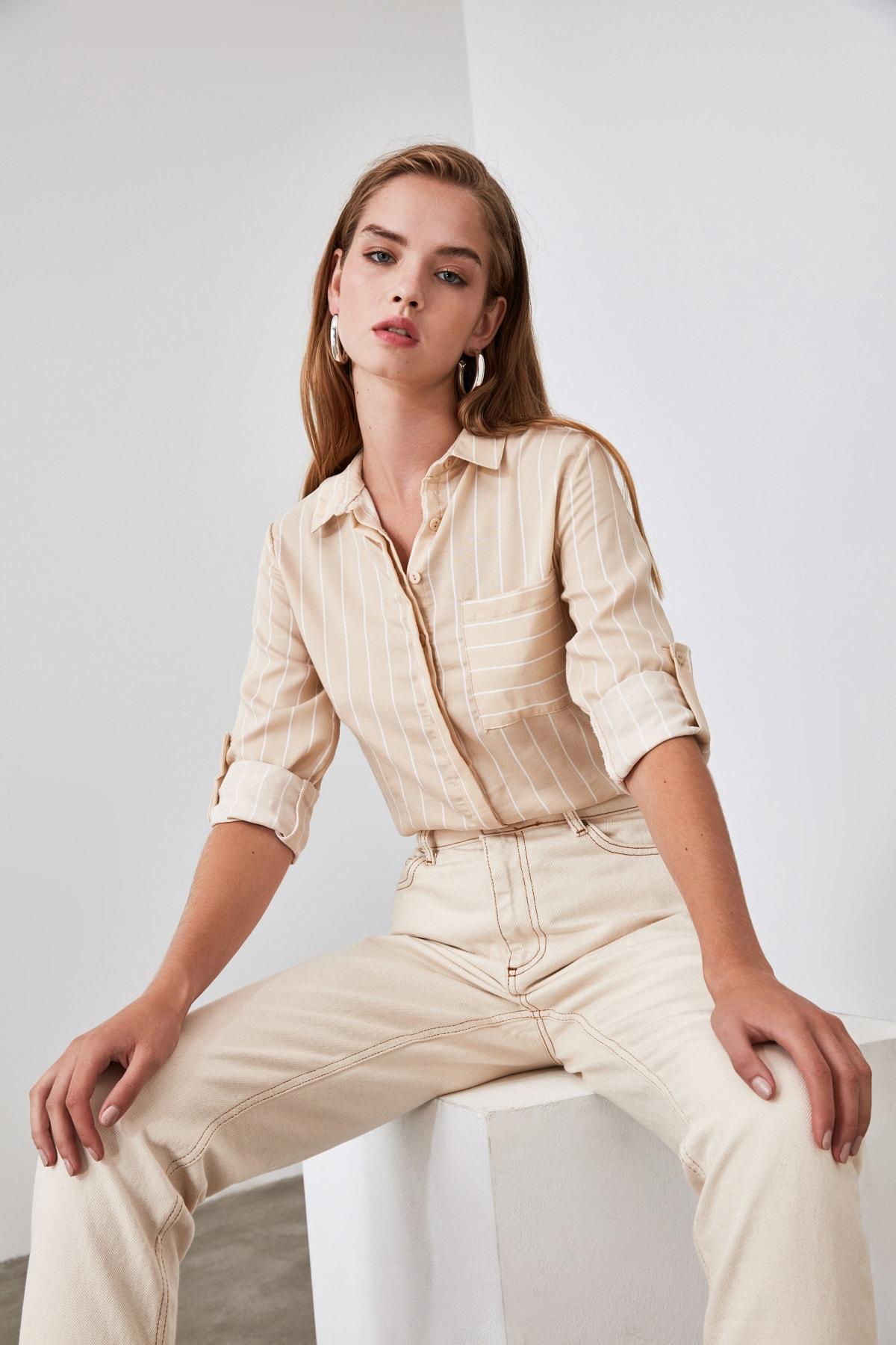 TRENDYOLMİLLA Taş Cep Detaylı Gömlek TWOSS19ST0062 2