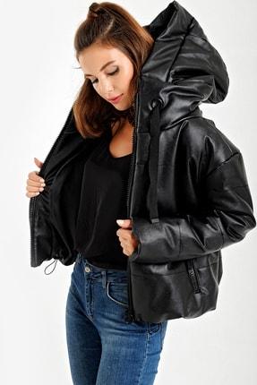 By Saygı Kadın Siyah Kapüşonlu Şişme Deri Mont S-20Y2060088