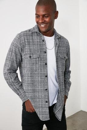 TRENDYOL MAN Siyah Erkek Ekose Çift Cepli Regular Gömlek TMNAW21GO0016