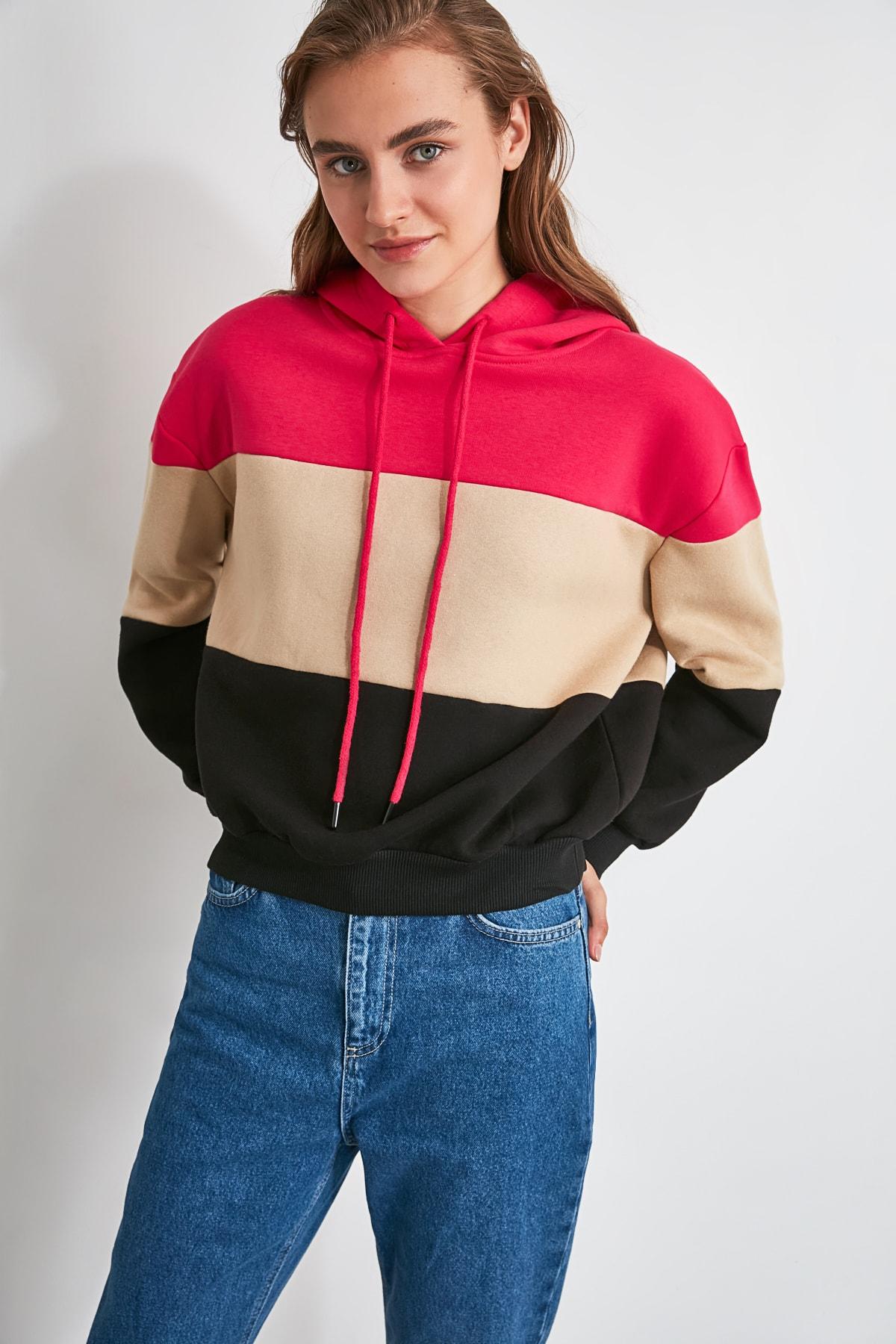 TRENDYOLMİLLA Fuşya Renk Bloklu Kapüşonlu Şardonlu Örme Sweatshirt TWOAW20SW0792 1