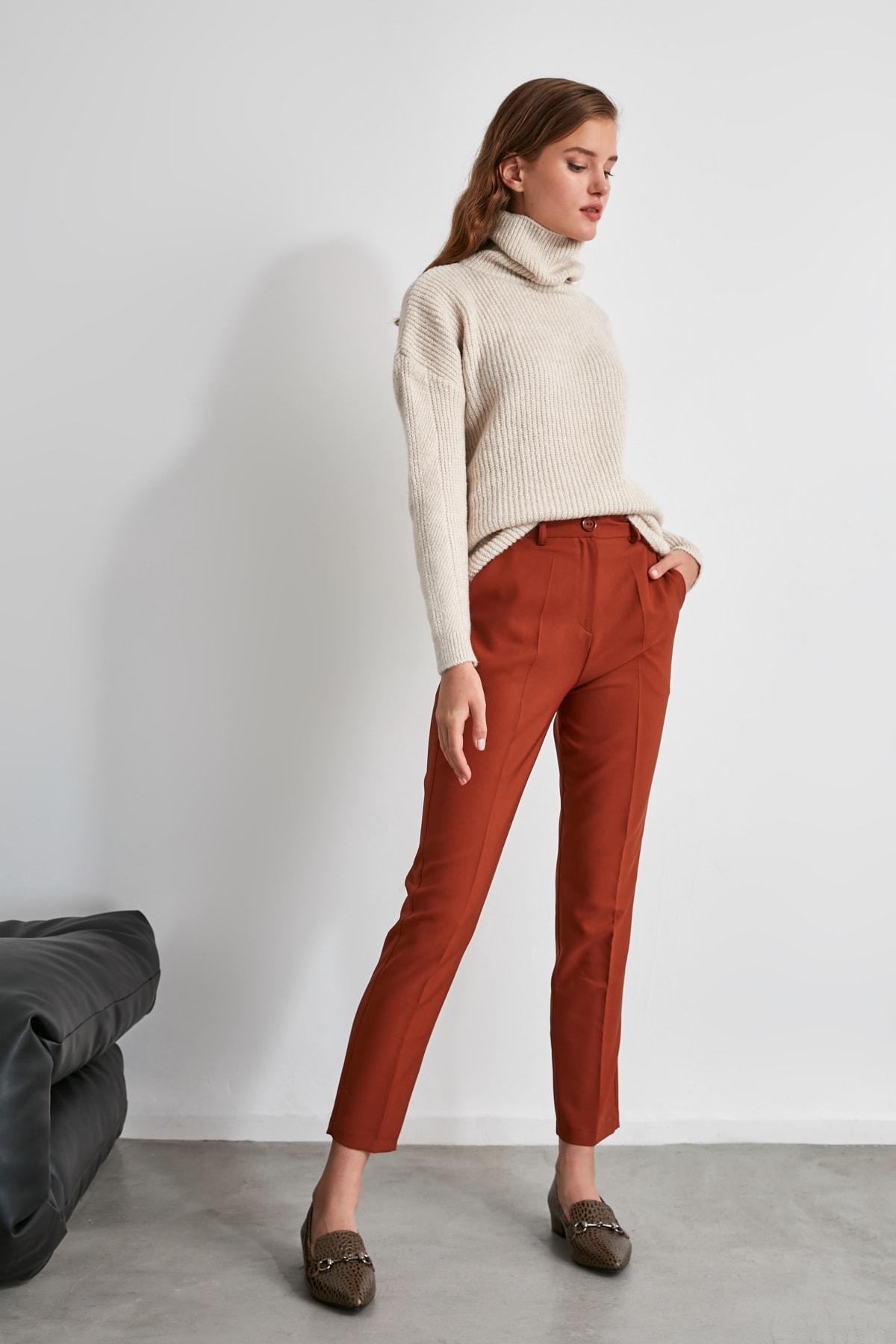 TRENDYOLMİLLA Kahverengi Basic Pantolon TWOSS19ST0038 1