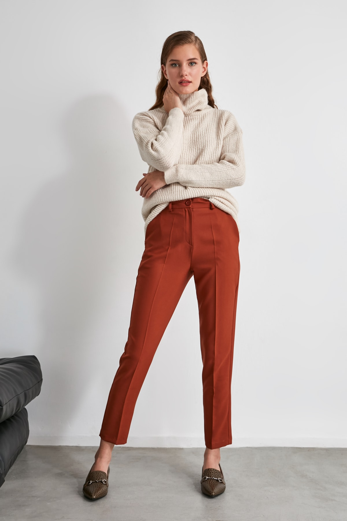 TRENDYOLMİLLA Kahverengi Basic Pantolon TWOSS19ST0038 2