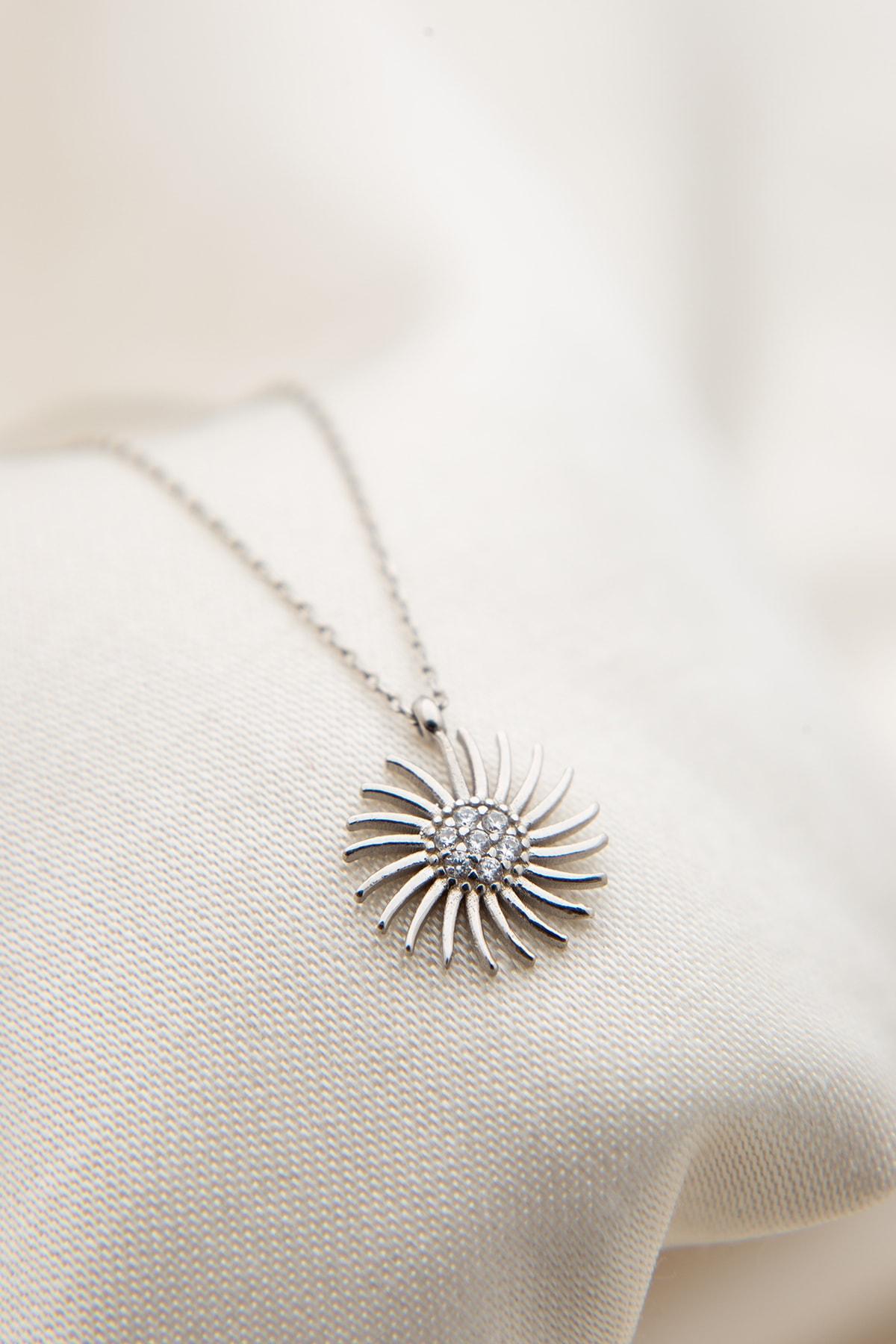 Elika Silver Kadın Güneş Model 925 Ayar Gümüş Kolye 2