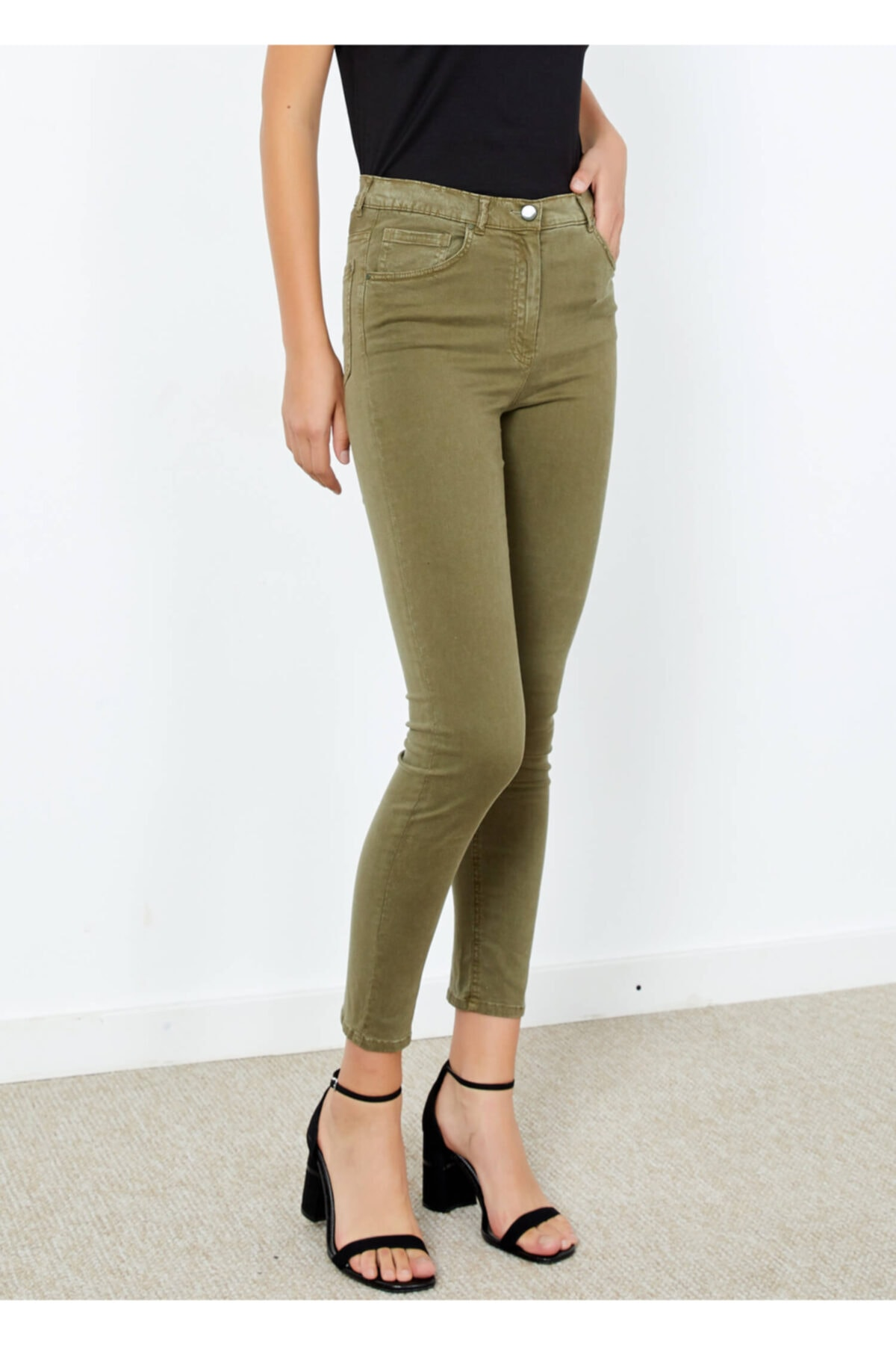 Adze Kadın Haki Dar Paça Slim Fit Pantolon Khaki 54 1