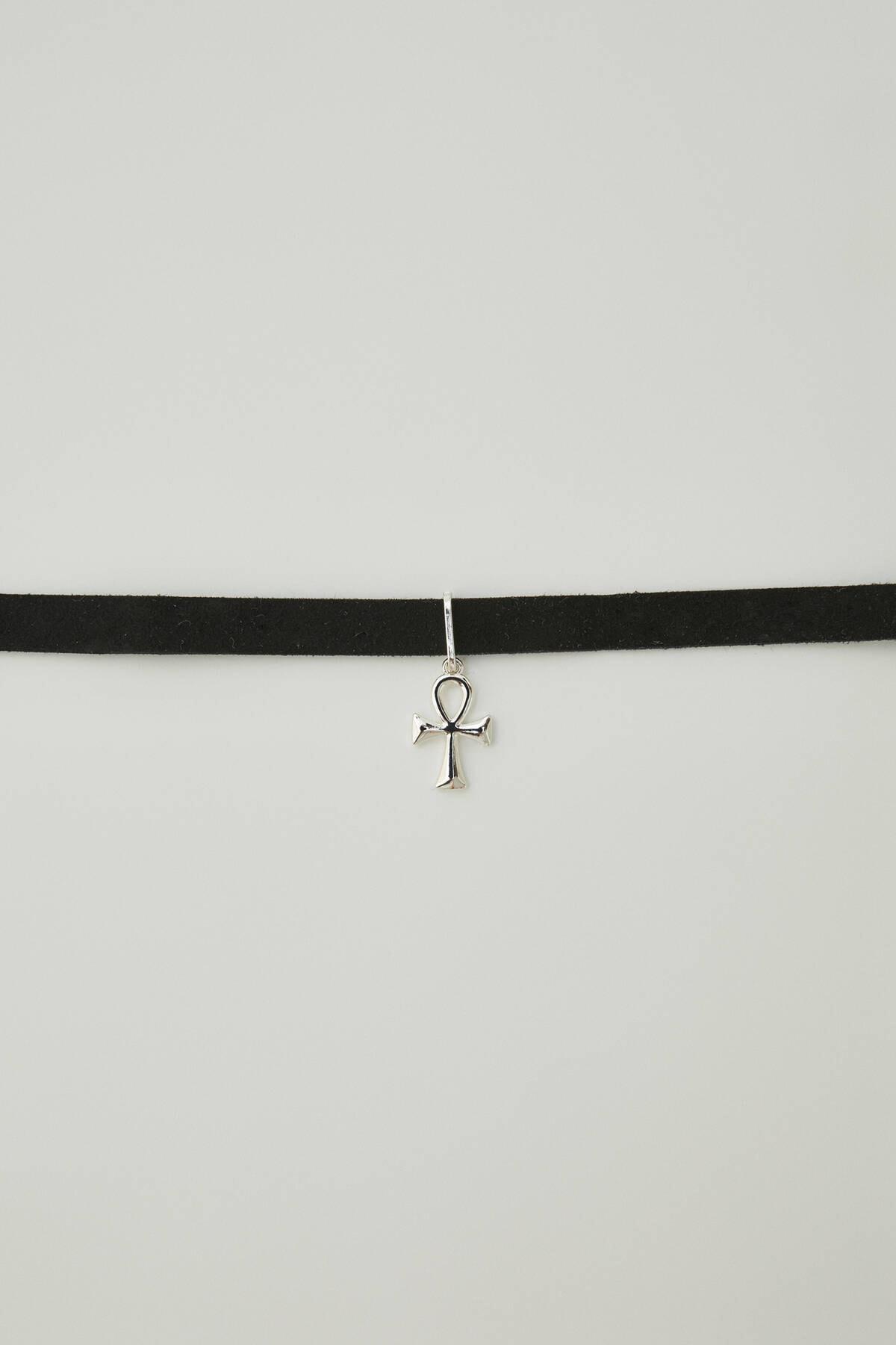 Pull & Bear Kadın Gümüş Velvet Cross Choker Necklace 09996355 1