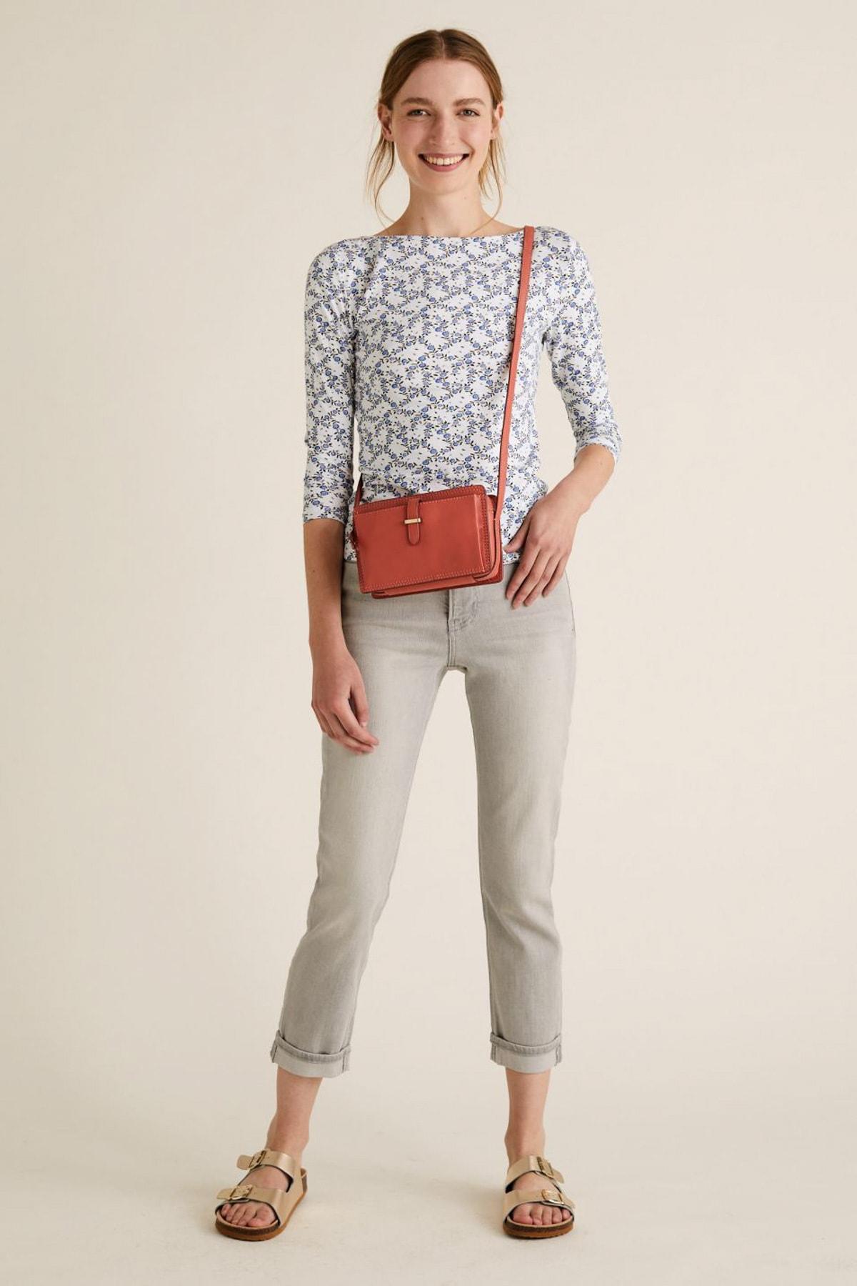 Marks & Spencer Kadın Bej Desenli Kayık Yaka T-Shirt T41004200 2