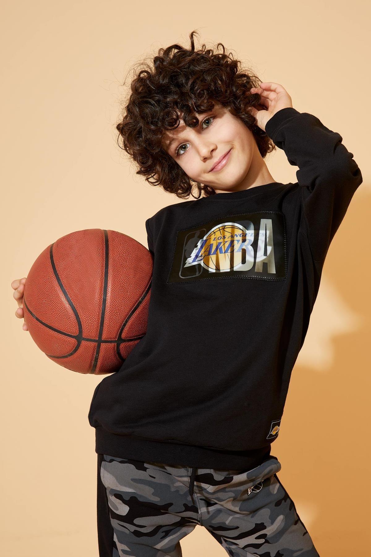 DeFacto NBA Lisanslı Sweatshirt