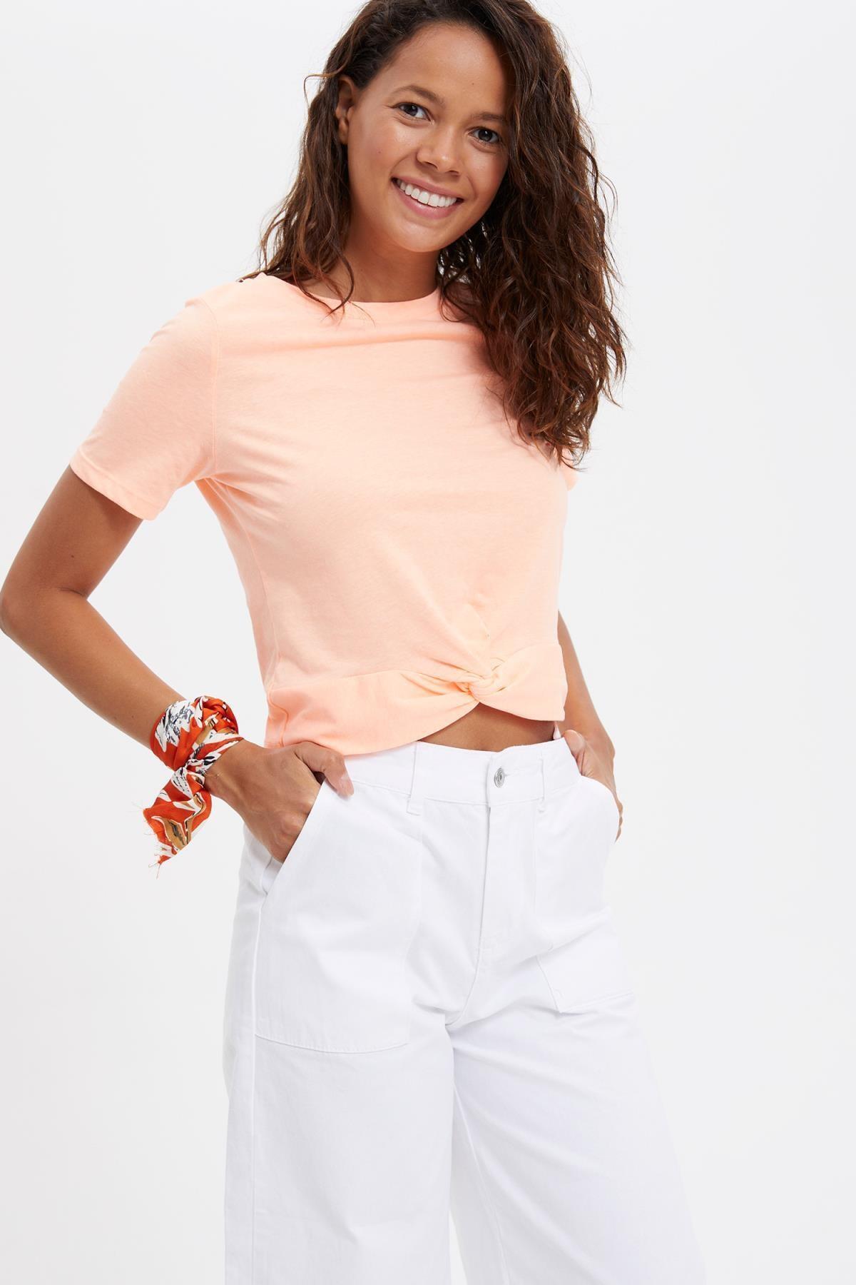 DeFacto Basic Bel Bağlama Detaylı Oversize Fit Crop Tişört